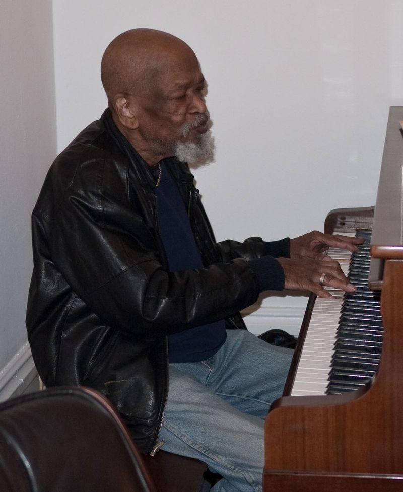 Jimmy@Piano